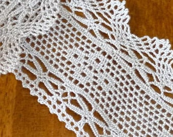 Wide ecru lace