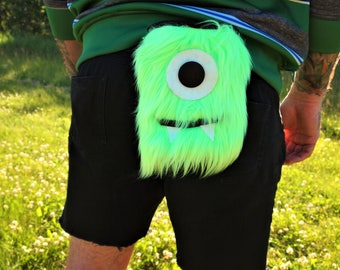 Mr Pete -Green fuzzy cyclops monster climbing chalk bag