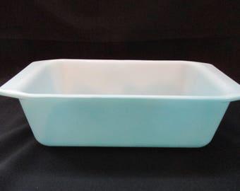 Vintage, Pyrex, Horizon Blue, Turquoise, #913, Loaf Pan, 1 1/2 Quart. 1969 to 1972
