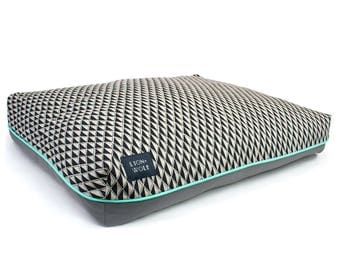 Gem Dog Bed in Onyx – Limited Edition | Removable Pet Bed Cover with Pillow Insert | Geometric Dog Beds from Lion + Wolf