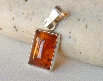 Sterling Silver Amber Pendant Vintage Baltic Amber Rectangular 925 Gold Amber Jewelry, Retro Modernist Jewelry,Small Amber