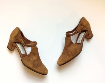 Vintage suede heels 6.5 tan heels with straps 6.5 suede pumps 6.5 mary jane straps t strap shoes 6.5 t strap heels 6.5 brown suede shoes 6.5