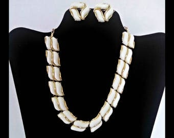"""Vintage Necklace and Clip Earrings, 16"""" White Thermoset Lucite & Gold Tone Accents, Demi Parure, Adj Hook Clasp, Mid Century, Circa 1960s"""