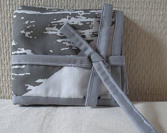Pouch oils essential white patterned grey/REF PH57