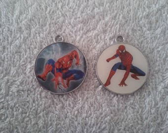 Lot 2 pendants Spiderman (25mm)