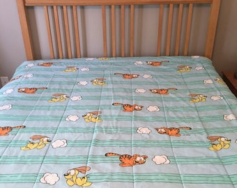 Vintage Garfield Odie Chasing Clouds Twin Comforter