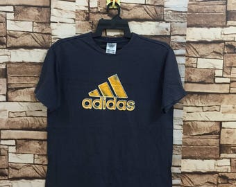Vintage!!! ADIDAS t shirt spellout big logo size S..ADIDAS equipment logo.. vintage t-shirt dark blue