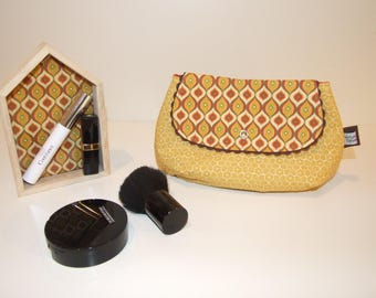 Pouch makeup/cosmetic fleece print in shades of terracotta and mustard yellow vintage Argyle