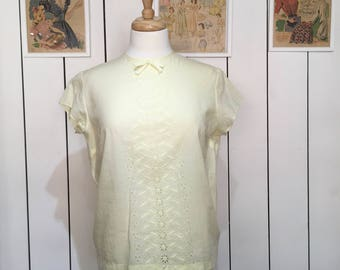 Original 1950's Primrose yellow blouse - Really cute embroidery and bow detailing