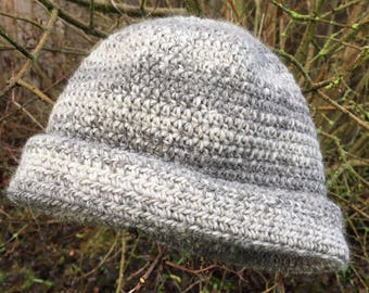 Soft grey crocheted cap in undyed baby alpaca and merino, gift accessories hats unisex, natural, dye free
