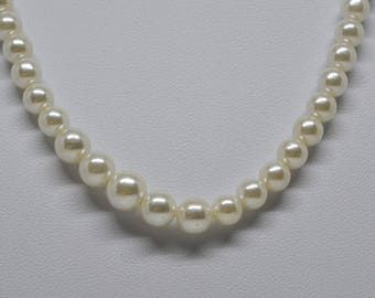 Gorgeous Faux Pearl Necklace