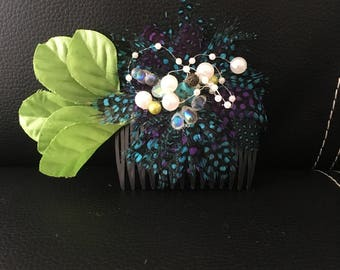 Comb,  hair accesory, with  navy feathers and green leafs and pearls. Cocktail night perfect look