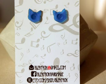 Blue 1 cm cat studs vinyl record earrings,earrings for woman,upcycled earrings minimalist earrings sustainable fashion edgy jewelry,model