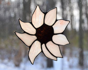 Small stained glass pink flower suncatcher 5 inch diameter