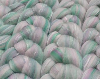 Blended roving (merino / silk) - soft spring - 100g