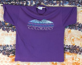 Purple Haze Vintage Colorado Souvenir T-shirt Mountains Native American Design