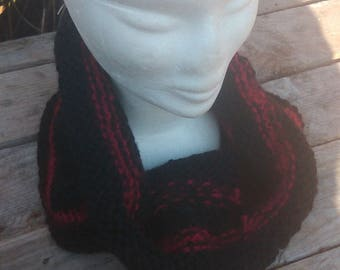 collar snood knit handmade black and red wool, mohair and acrylic