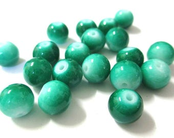 10 two-tone light and dark green glass beads 8mm