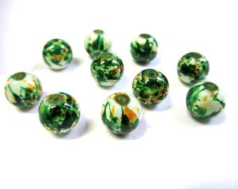 10 round white glass beads painted speckled green and orange 10mm (Q-27)