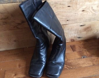 Black vintage boot, pump, retro boots made in Italy size 7 square toe and square heel