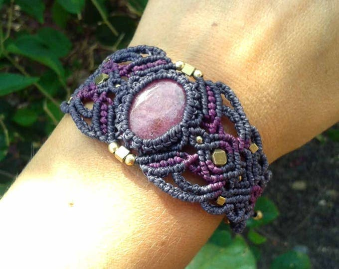 Macrame bracelet Mod. Clari, with rhodonite, adjustable, brass, nickel free, stone amulet, tribal jewelry, talisman yoga, Healing stone