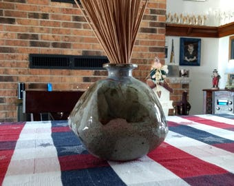 Large Stoneware Pottery Reed Diffuser.Ceramic scented oil Diffuser. Pottery is a Grey and Brown Glaze.