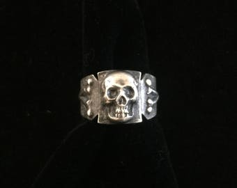 antique french memento mori skull and crossbones ring