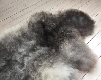 Sheepskin rug supersoft rugged throw from Norwegian norse breed medium locke length sheep skin grey 18024
