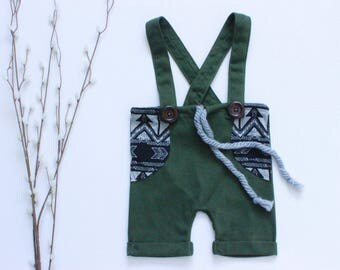 Baby Boy Romper, Christmas Baby Outfit, Green baby shorts, Newborn Outfit, Baby Boy Shorts, Christmas baby boy outfit, Baby first Christmas