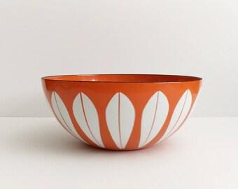 """Vintage CATHRINEHOLM Orange Lotus Enamelware Bowl 9.5"""" Mid Century Modern Norway"""