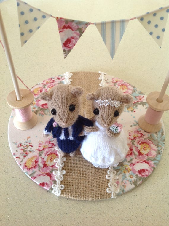 knitted mice wedding cake toppers and groom dormouse wedding mice wedding cake 16653