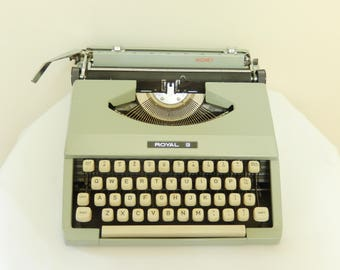 vintage Royal typewriter, Signet, 1968, portable with cover, greenish gray, in good condition, office, home decor