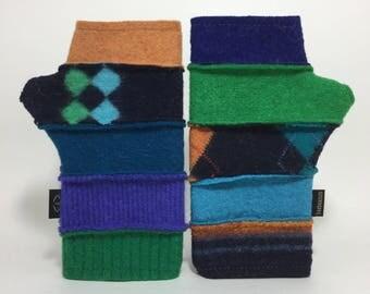 Baabaazuzu Green & Blue Felted Wool Fingerless Gloves