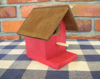 Red Birdhouse - Decorative, Rustic, Cedar - Porch, Deck, Patio