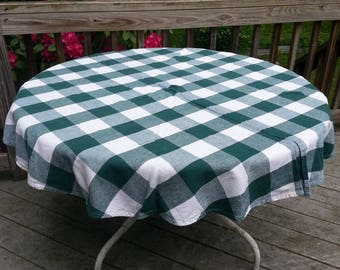 Round Tablecloth, vintage tablecloth, country, linens, vintage linens