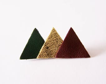 Pin 3 dark green, gold and dark Burgundy leather triangles