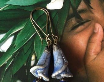 Short, Bohemian earrings, ceramic blue denim and blue jade lapis, Leamorphoses creation.