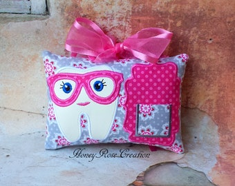Tooth fairy pillow.Embroidred tooth fairy pillow.