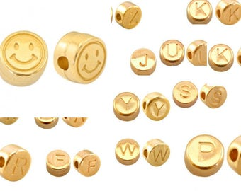 2x Letter Pearl Smiley Gold plated 7mm #4106