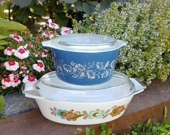 Pyrex made in USA. Casserole Dish with Lid. Colonial Mist. Vintage Pyrex. New Zealand. Collectable Pyrex.