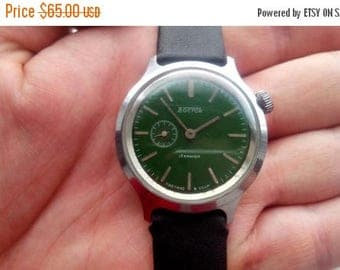 ON SALE Vostok watch, orologi vostok militari, soviet watch, green dial, green watch.