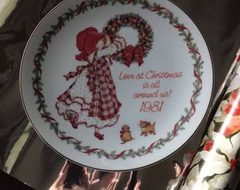 Vintage 1981 Holly Hobby Christmas plate