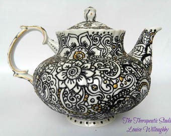 Teapot, hand painted, doodle, mendhi, henna, flower