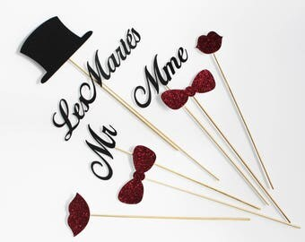 set of 8 elements photobooth for wedding - mr and Mrs.
