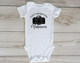 Mamarazzi / custom baby onesie / baby boy onesie / baby girl onesie / infant bodysuit / mom photographer / baby clothing / camera onesie
