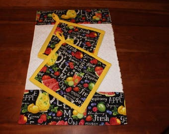 3 Pc. Kitchen Set, Terrycloth Dishtowel with 2 Matching Quilted Potholders Hotpads Trivets, Garden Party