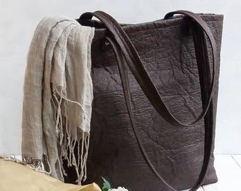 Vegan leather tote handbag purse in Pinatex