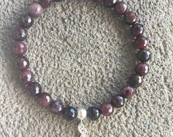 Please energized Bracelet please Garnet beads and small Buddha 925 sterling silver