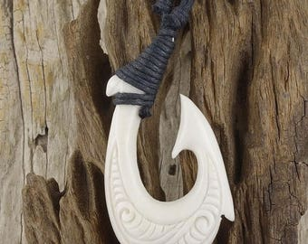 ON SALE 15% Maori Scrimshaw Fish Hook Necklace, Hei Matau, Hand Carved, Lashed, Bone, Surfer Free Shipping