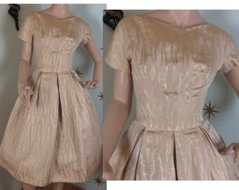 Vintage 1960s Hannah Troy gold brocade boat neck party dress small 226
